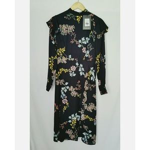 Who What Wear Dress Long Sleeve Black Floral XS